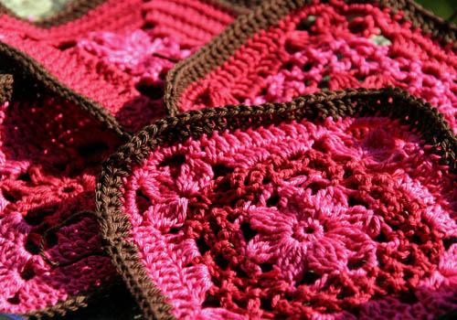 dunkelrot & pink